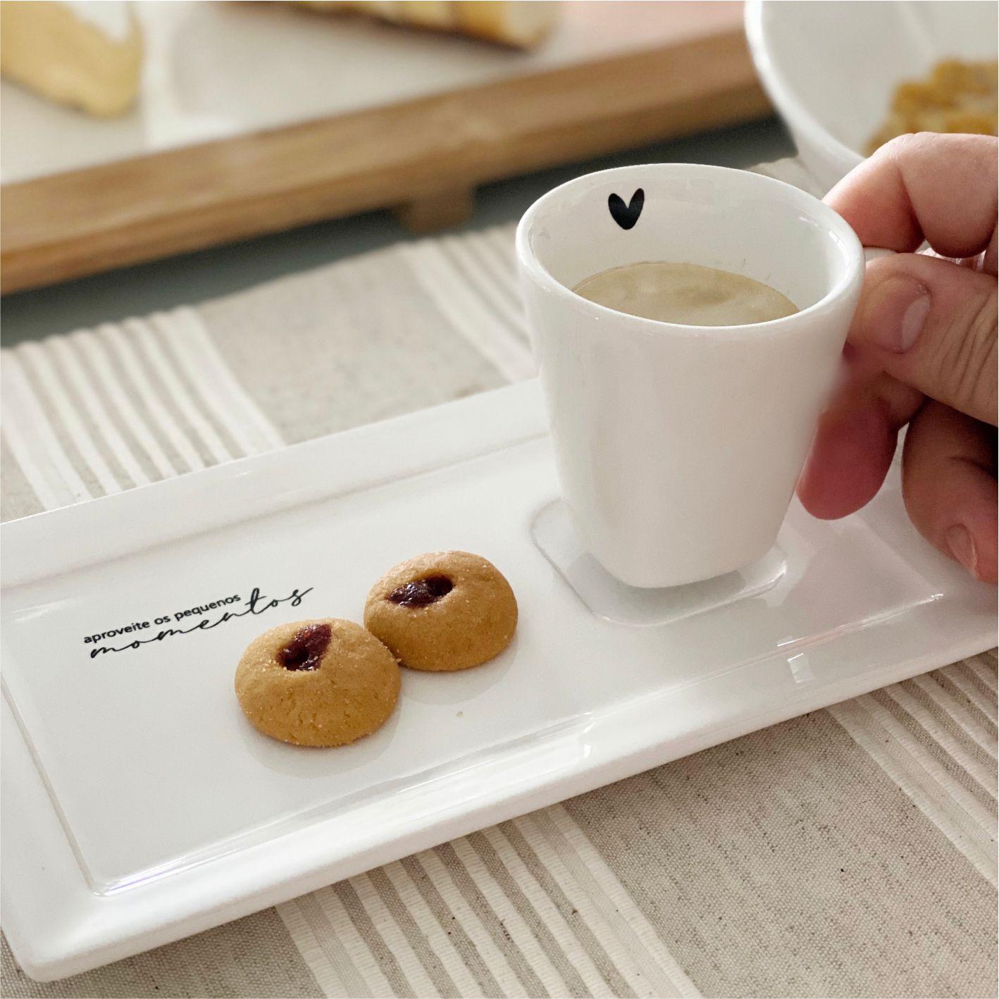Xícara com Pratinho Aproveite os Pequenos Momentos para Café 65ml