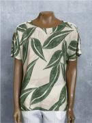 Blusa Feminina Manga Curta Viscose Estampa Folhas Verde e Bege