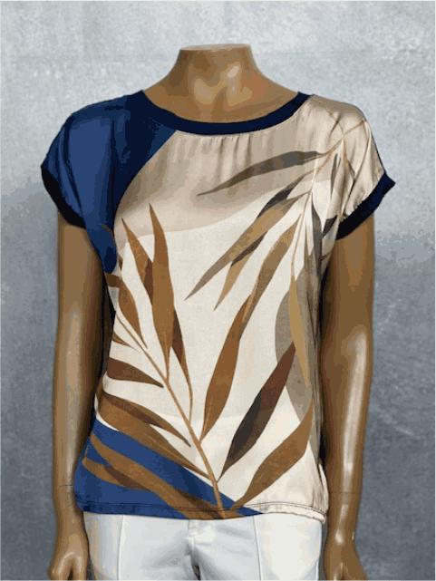 Blusa Feminina Manga Curta Estampa Azul e Marfim