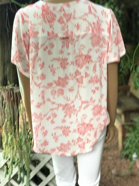 Blusa Feminina Manga Curta Mariantônia Estampada Decote V Branca Com Flores em Vermelho