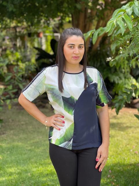 Blusa Feminina Manga Curta Estampa Marinho Verde e Branco