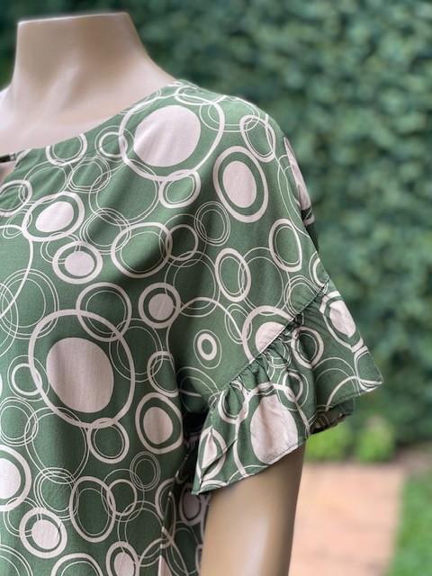 Blusa Feminina Manga Curta Estampa Verde