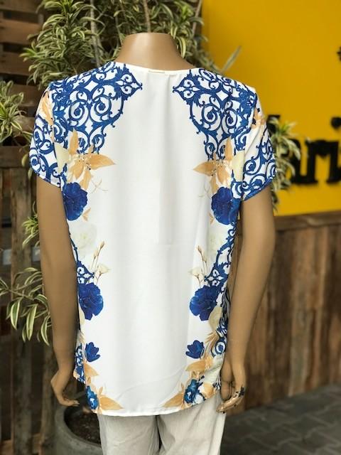 Blusa Feminina Manga Curta Flor de Lis Estampa Branca e Azul