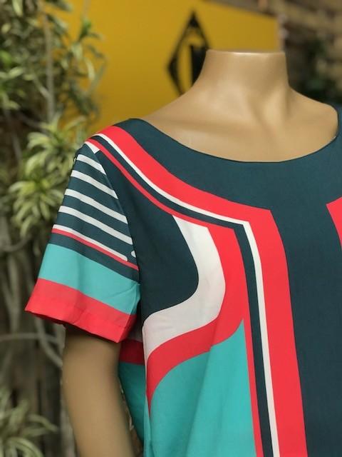 Blusa Feminina Manga Curta Plus Size Verde Escuro e Vermelho