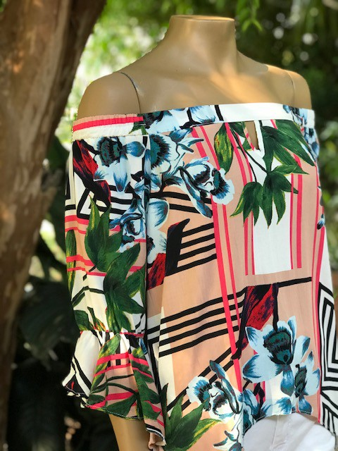 Blusa Estampada Floral com Listras Meia Manga