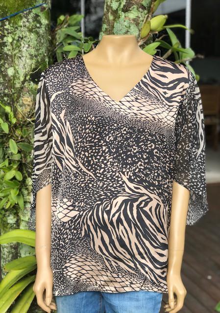 Blusa Plus Size Estampa Animal Print