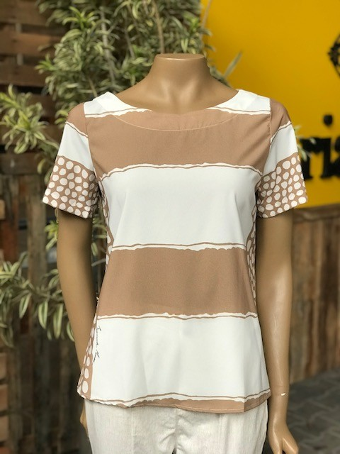 T-Shirt Camisa Feminina Manga Curta Bege e Off White Listras