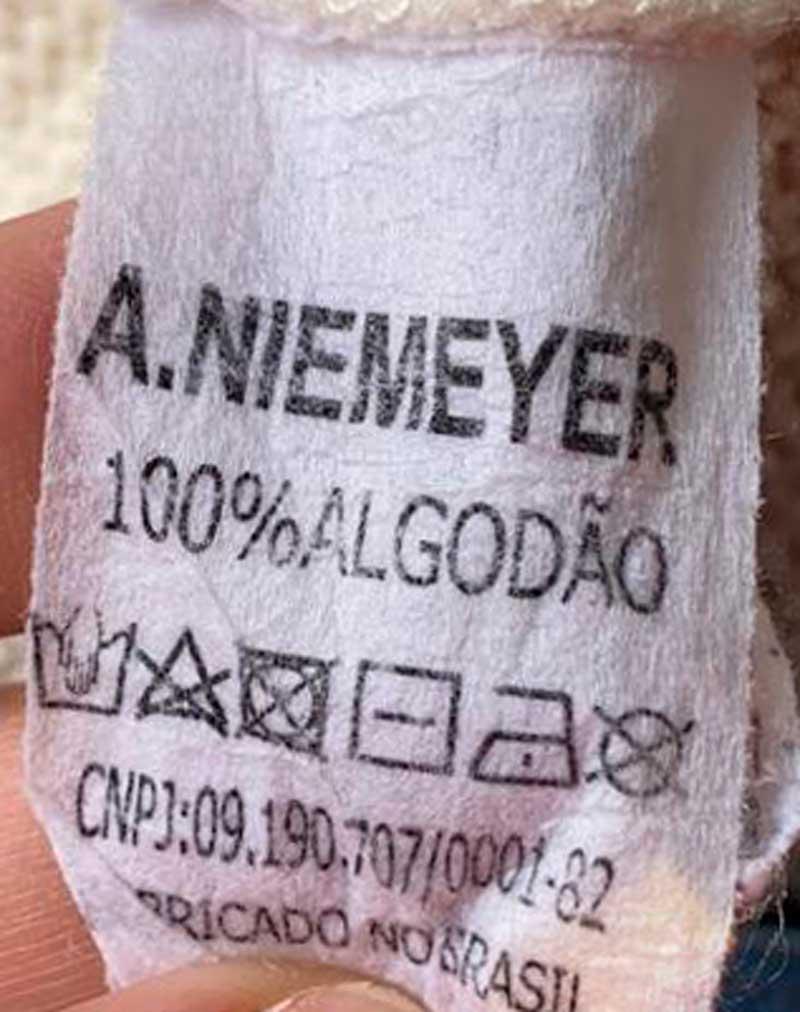 CALÇA A.NIEMEYER LISTRAS VERMELHAS TAM 36