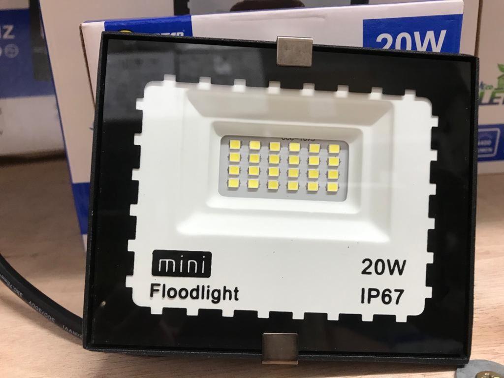 REFLETOR LED 20W 6.5K JORTAN