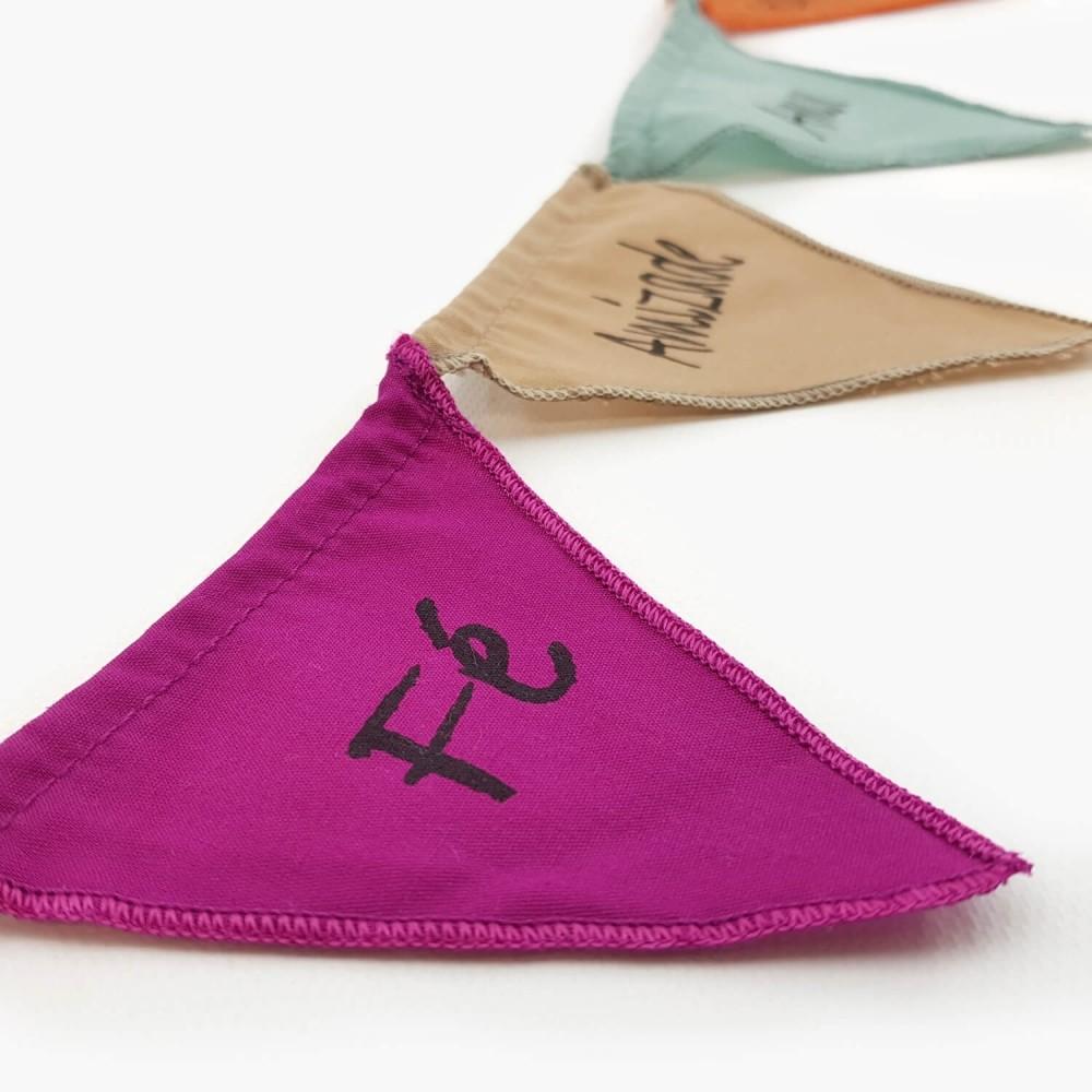 Mini Bandeiras de Oração c/ íman - Palavras  - Foto 3