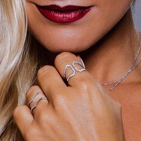 Anel Fenda Ouro branco 18k com Diamantes