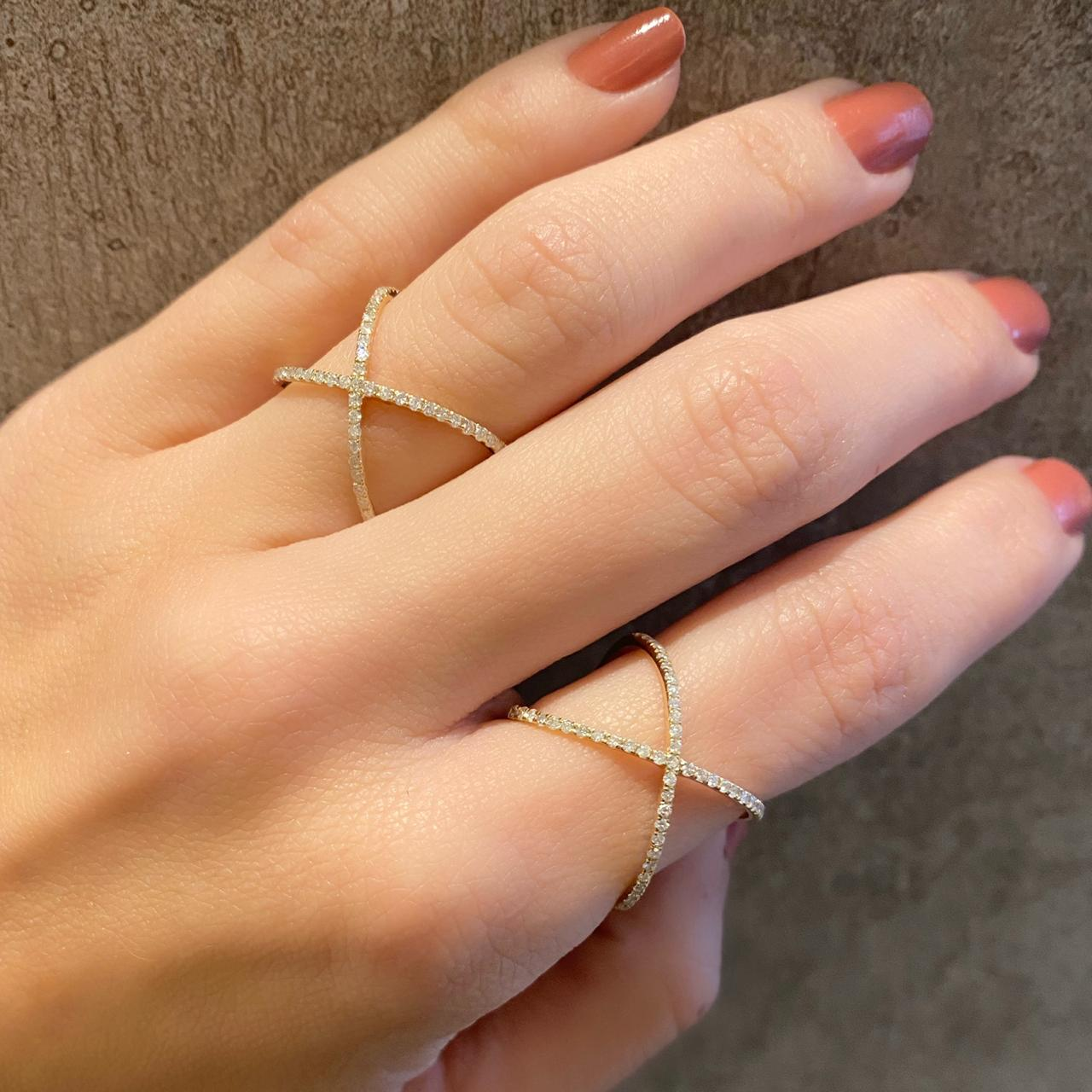 Anel X com Diamantes em Ouro 18k