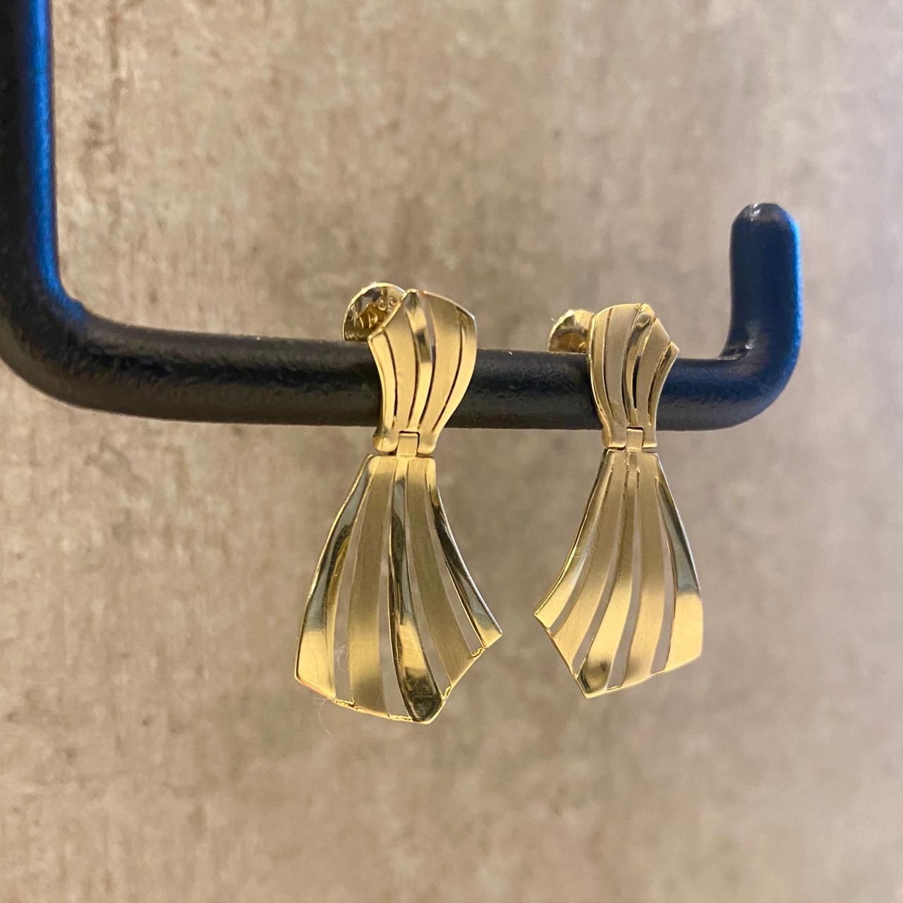 Brincos Sintonia em Ouro 18k