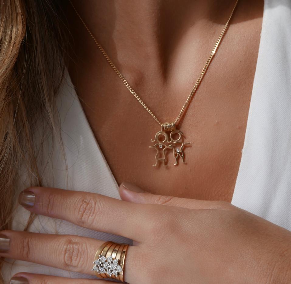 Pingente Menina Ouro 18k com Diamante