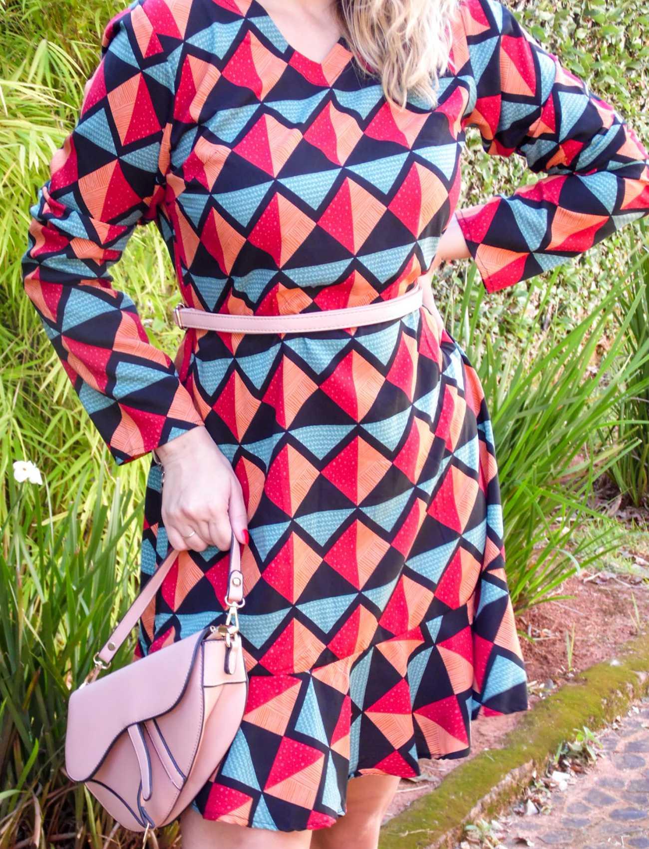 Vestido viscose estampa geométrica