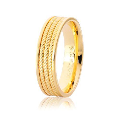 Aliança em Ouro 18K Amarelo com 5,5mm de Largura  Efeito Triplo Fio Torcido