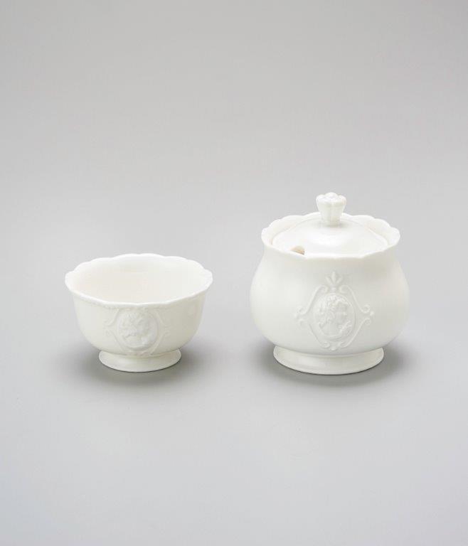 Jogo de açucareiro e porta adoçante Queen porcelana