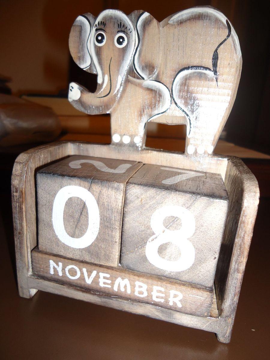 Calendário e Porta Caneta Elefante