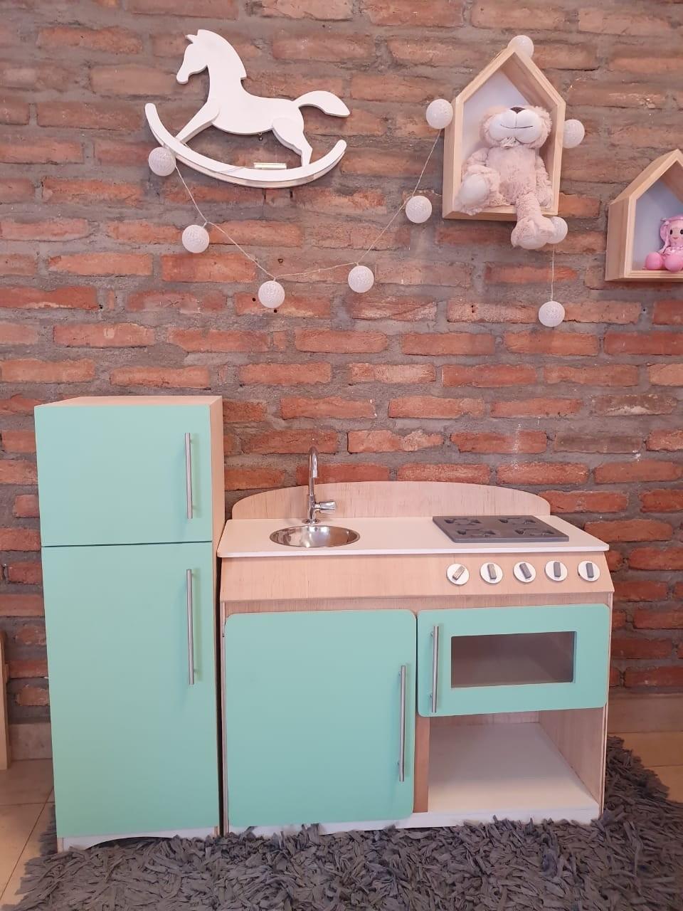 Cozinha Infantil Flórida Verde com Refrigerador Fashion Toys