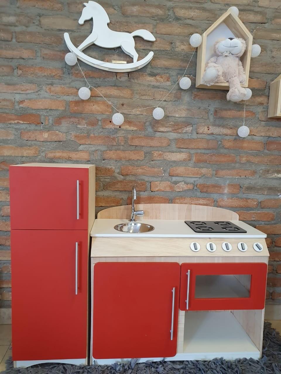 Cozinha Infantil Flórida Vermelha com Refrigerador Fashion Toys