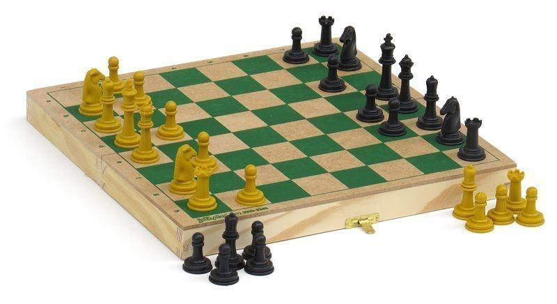 Jogo de Xadrez com Estojo de Madeira