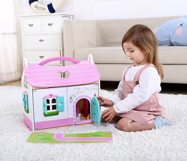Casa de Bonecas em Madeira Rosa