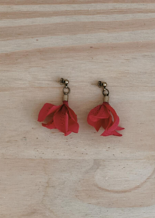 Brinco Flor Astromélia Vermelha