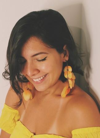 Brinco Pétalas Amarela