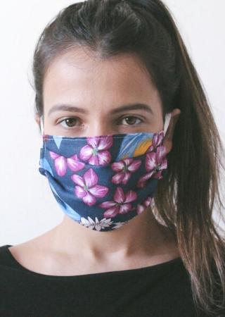 máscara floral azul