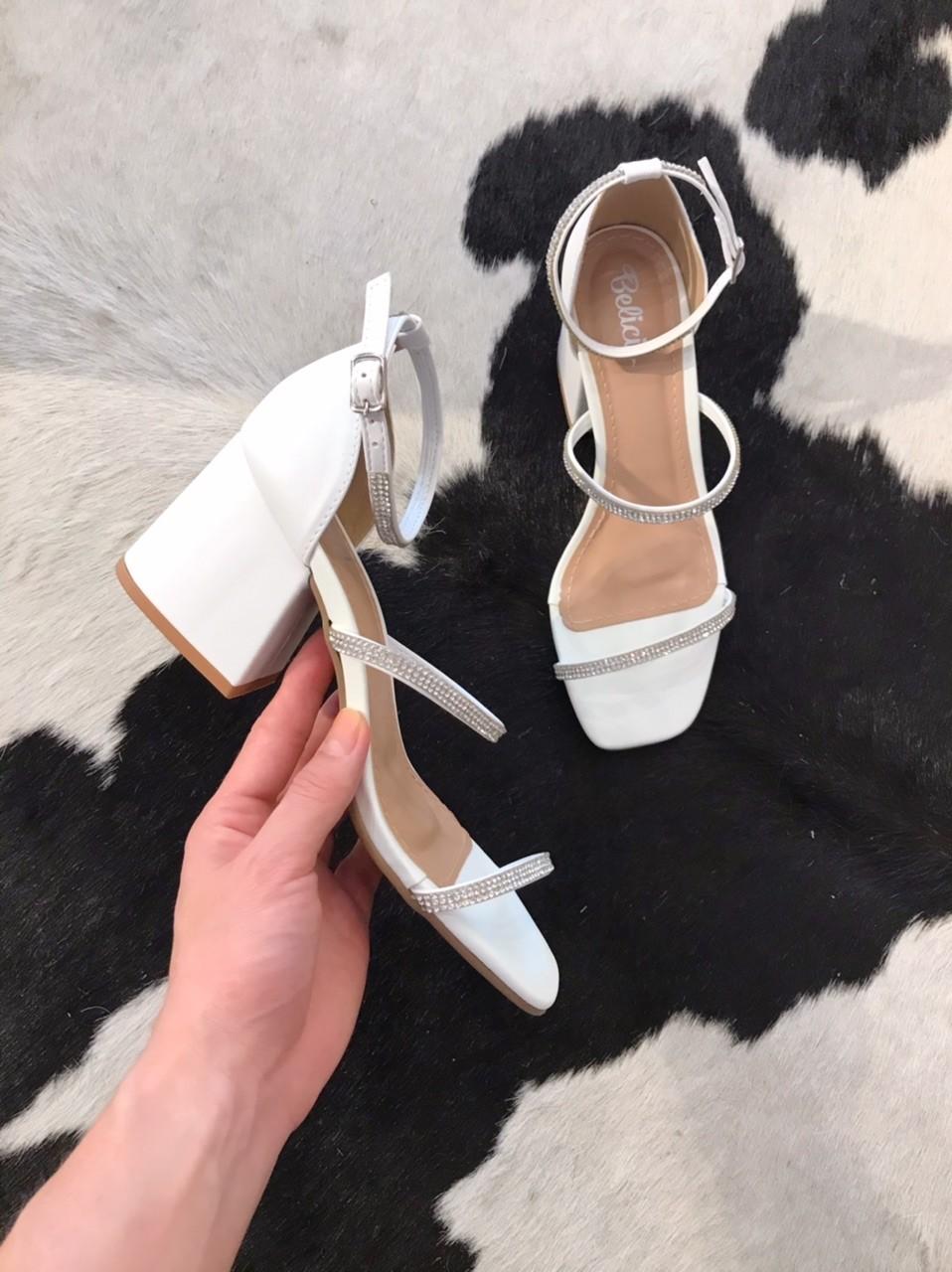 Sandália Serena Branca com Prata