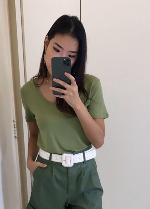 Blusa básica decote U