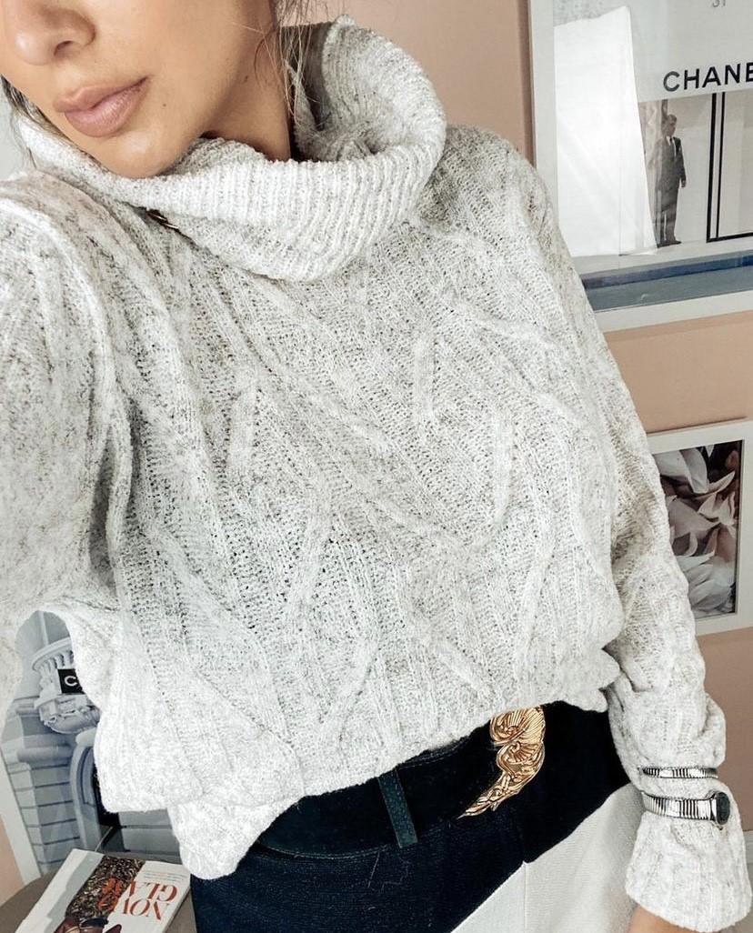 Blusa comprida tricot gola alta