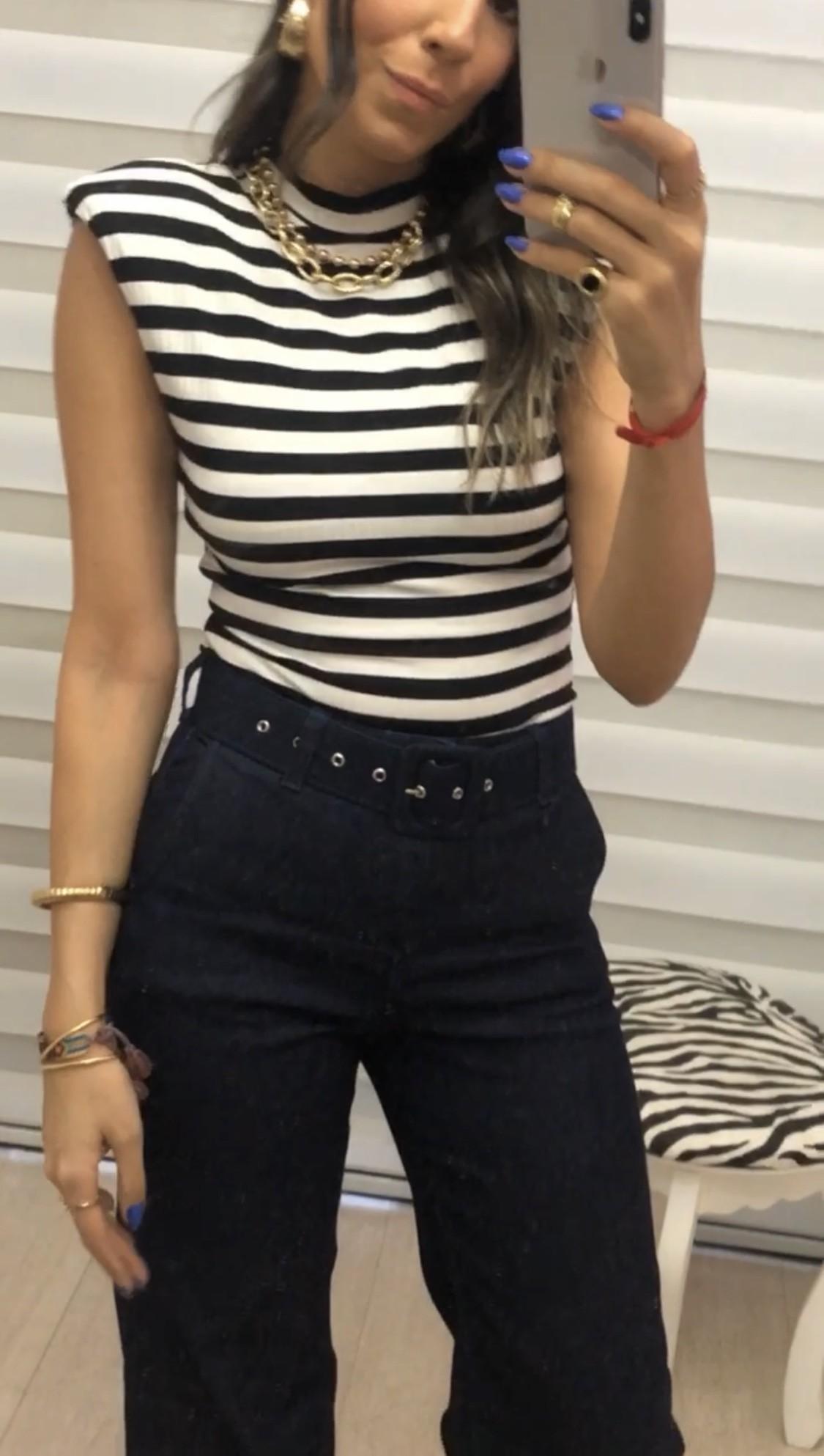 Calça Pantalona jeans com cinto