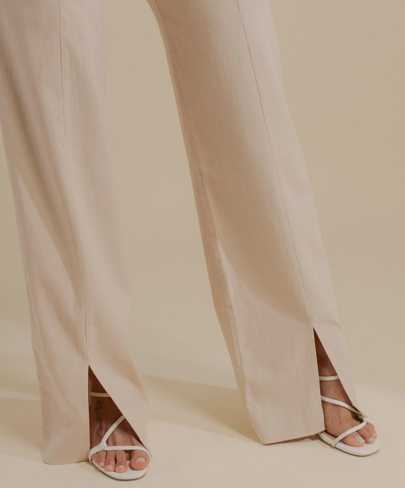 Calça pantalona linho com elastano e fenda frontal