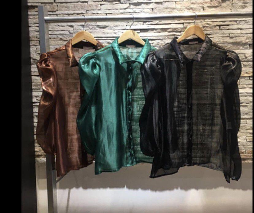 Camisa manga bufante organza com forro