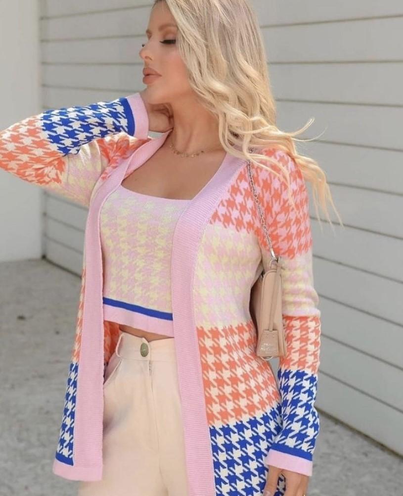 Conjunto cropped e cardigan modal colorido