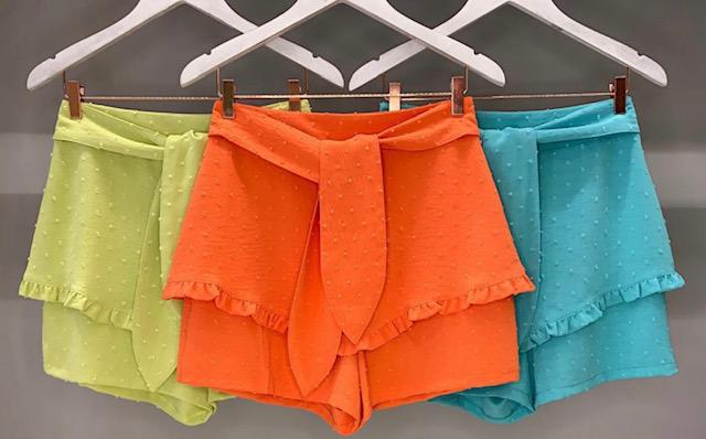 Conjunto de Blusa e Shorts/Saia