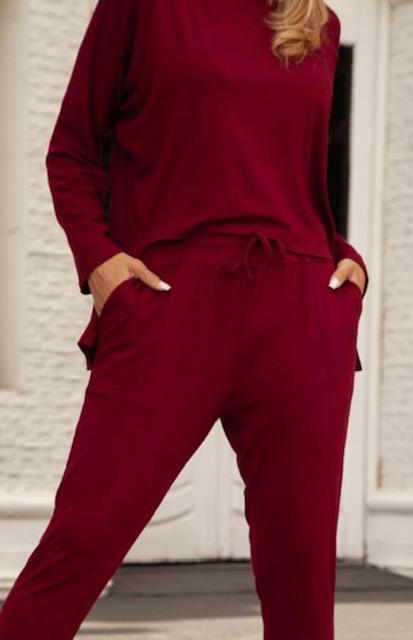Conjunto de malha com blusa alongada atrás