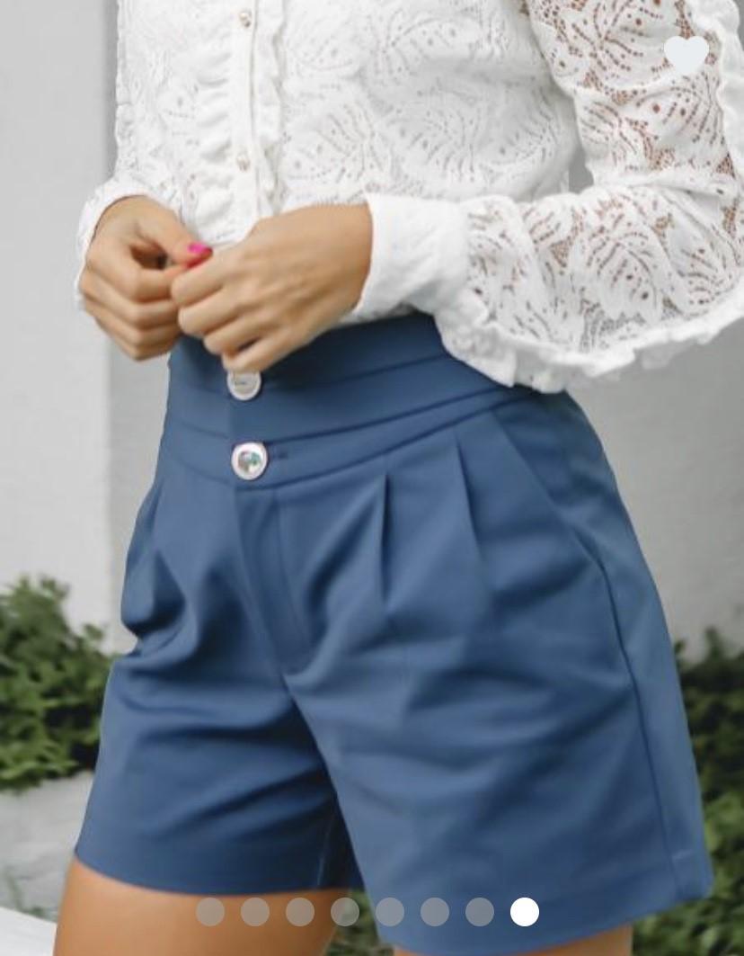 Shorts cós largo botões