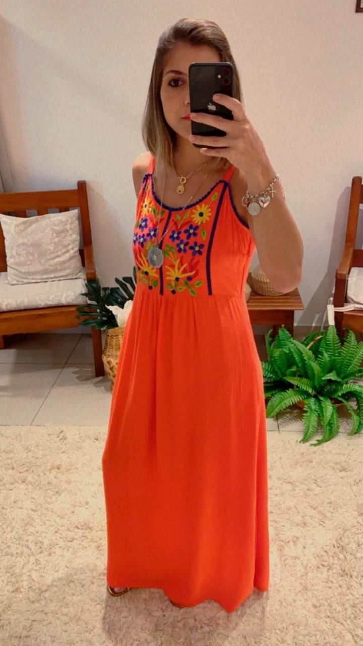 Vestido longo bordado flores colorido