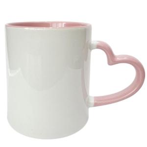 Caneca de Cerâmica Branca com Interior e Alça Coração Colorido para Sublimação   Rosa