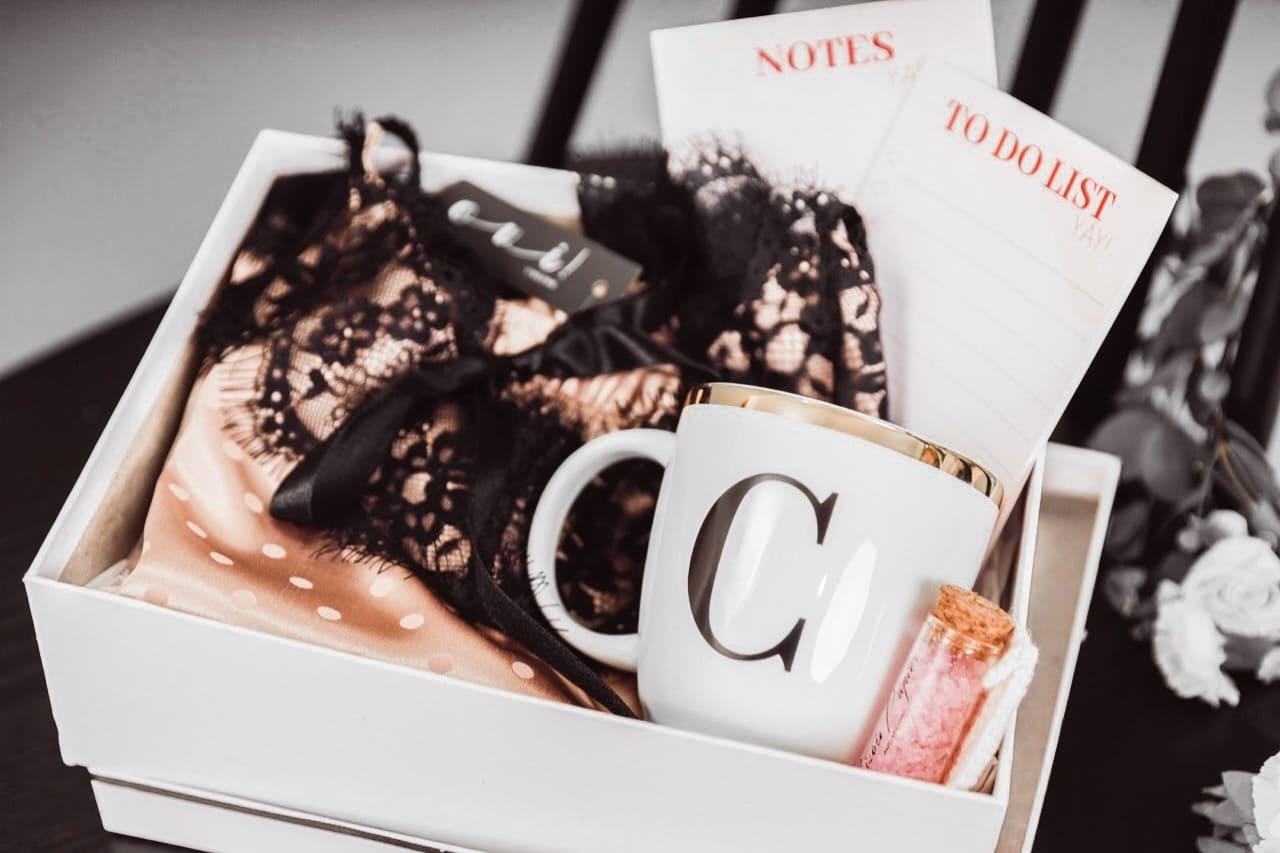 combo BISOU papier + OUI! lingerie