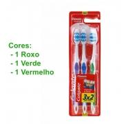 Escova de Dente Colgate com 3 unidades