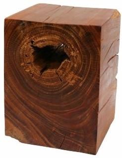 Banquinho de madeira maciça artesanalmente quadrado (Quad) -  30cm x 40cm Cor: madeira