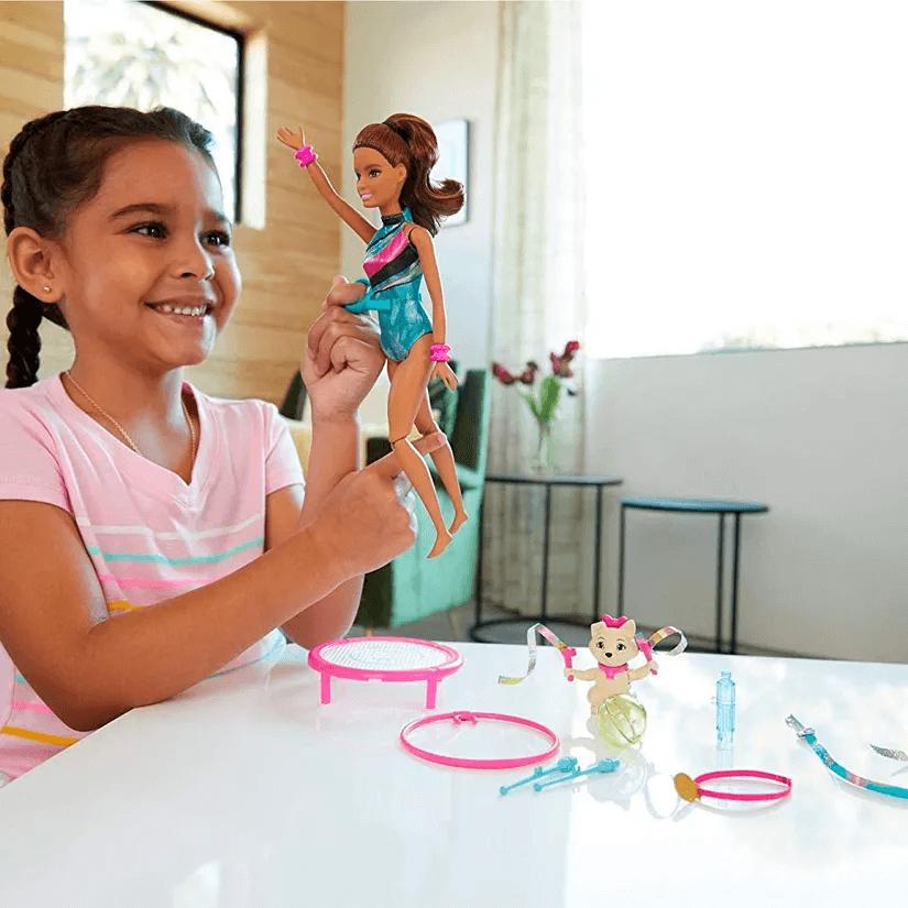 Boneca Barbie Aventuras Teresa Ginasta GHK24 Mattel