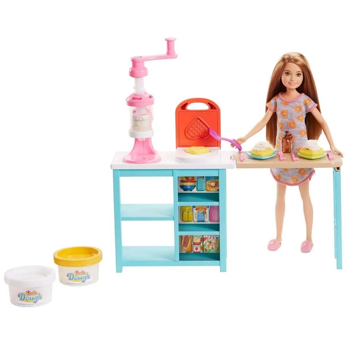 Boneca Barbie Cozinheira Stacie Estação De Doce FRH74 Mattel