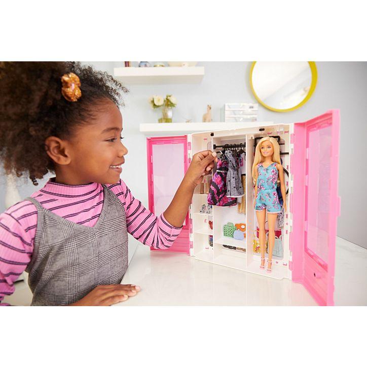 Boneca Barbie Fashionistas Closet De Luxo GBK12 Mattel