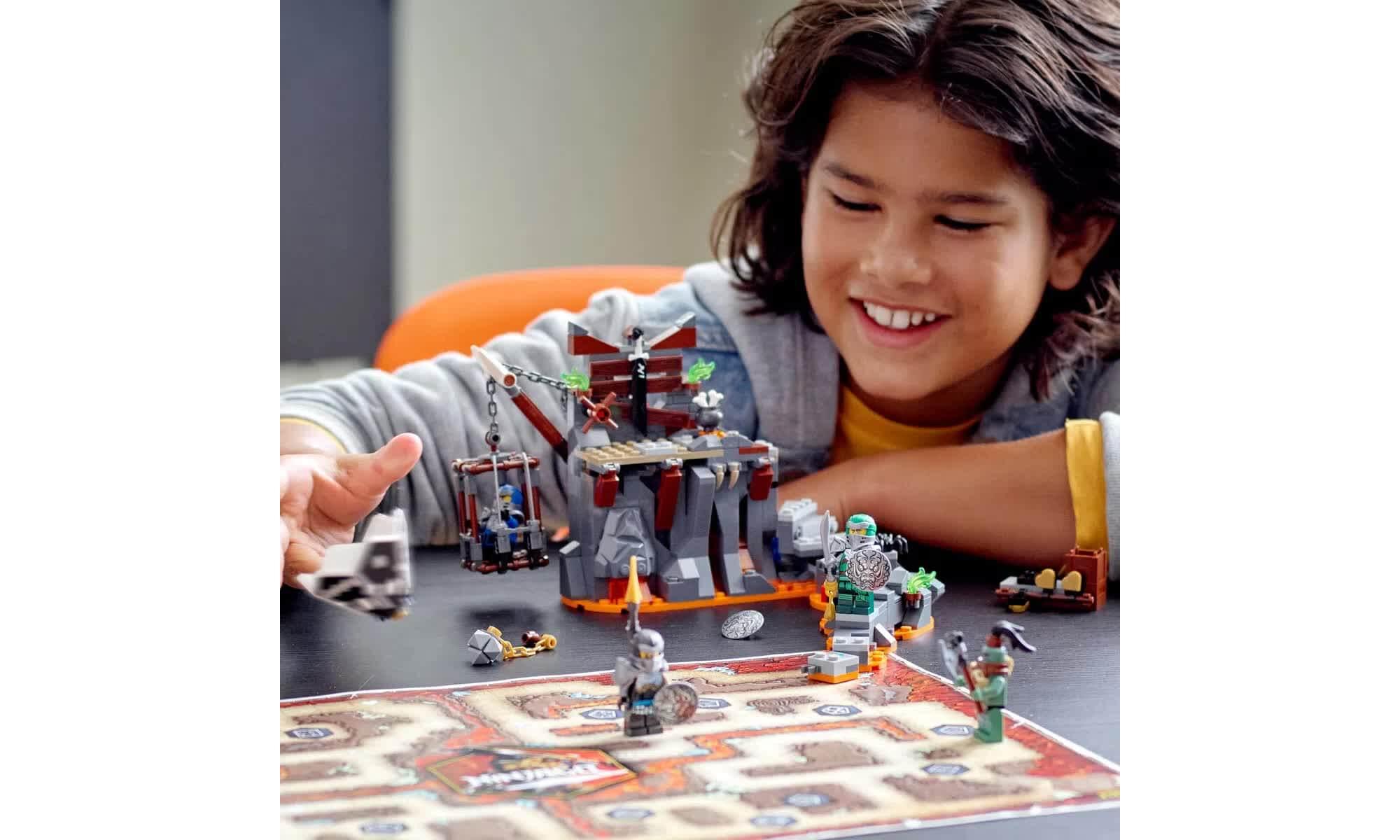 Lego Ninjago Viagem Até As Masmorras Das Caveiras 71717