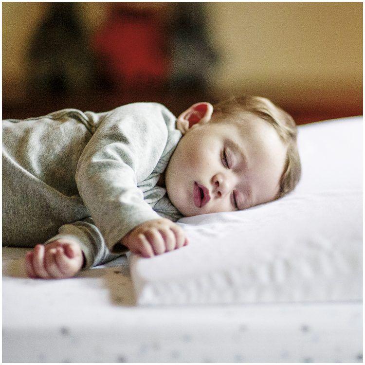 Travesseiro Sleepy Para Berco E Cercado Kiddo