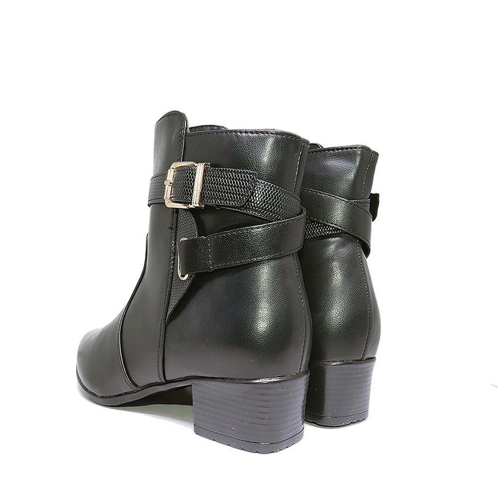 Bota bico fino salto blocado preto.